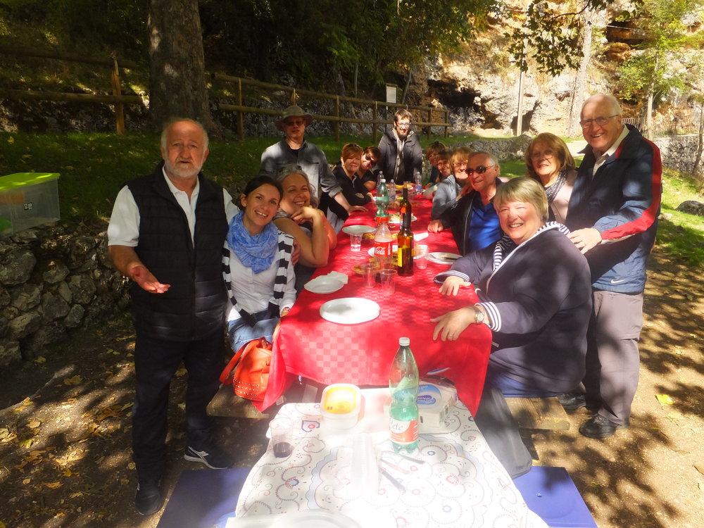 Abruzzo - Scanna Lake - pique nique 6.JPG