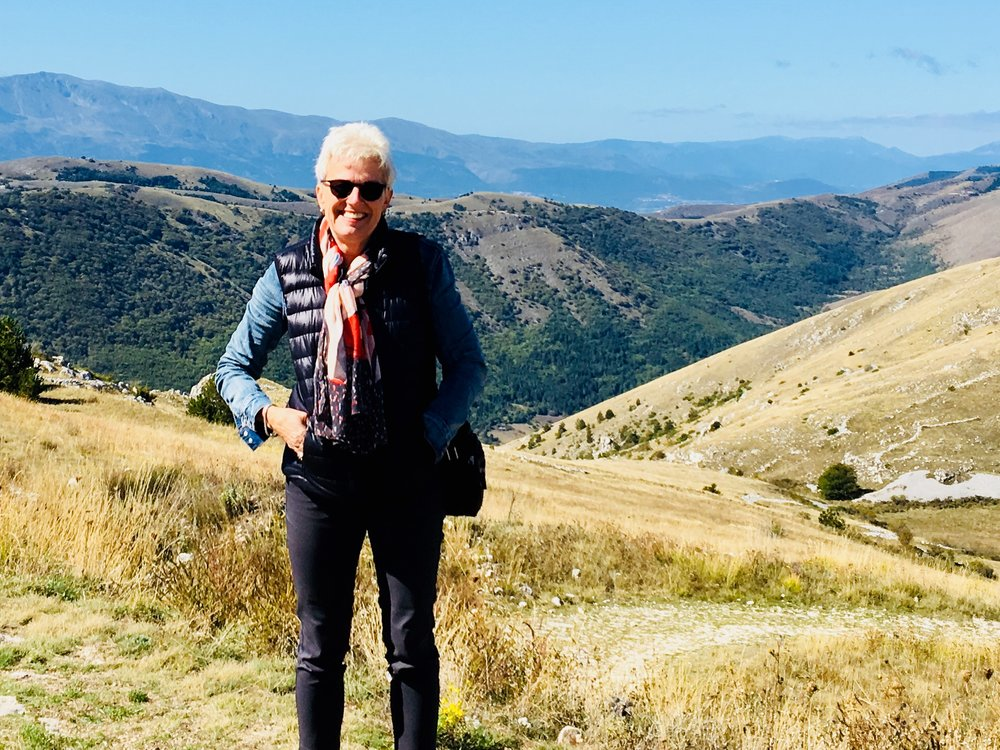 Amazing Abruzzo Tours is just what it says - amazing! Jake and Lisa are the consummate hosts; the villa is stunning; the staff incredible; the food and wine superb; the setting breathtaking and the tours were the best I have ever taken. Luca, Giuseppe and Nora are incredibly knowledgeable about all things Abruzzo - history, geography, geology, food and wine etc etc. All I can say is thank you to all and...I'll be back (already booked to return May 2020 with a group of friends- can't wait!). Jennifer