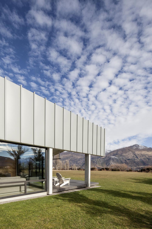Wanaka Lake Front Residence