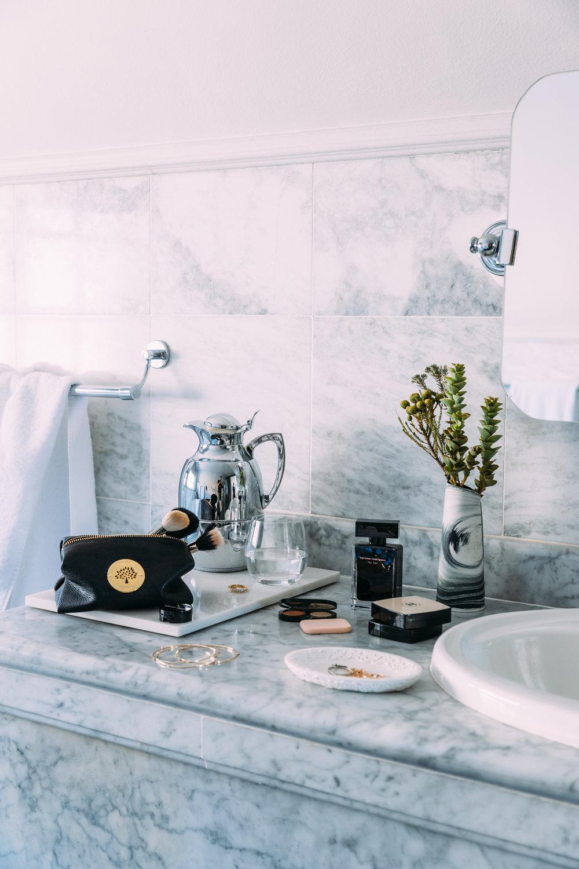 Female Bathroom Amenities 2048px 1DX_8063.jpg