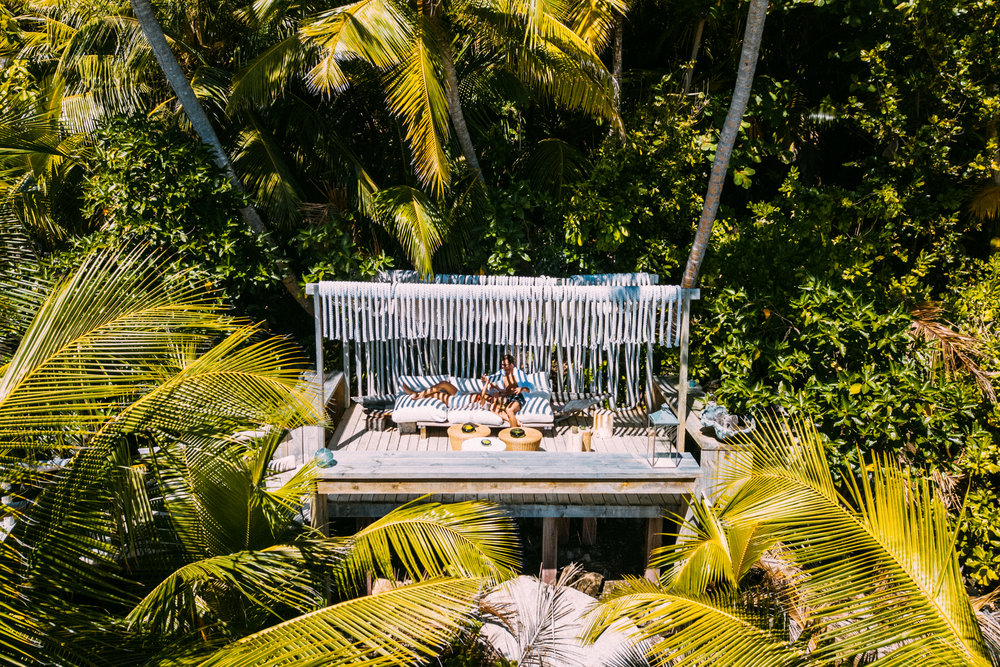 North Island - Villa 11 - Sunrise Lounge - 2500px.jpg
