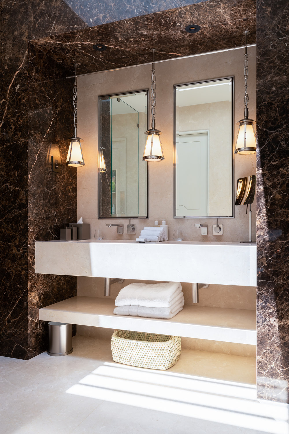 Delaire Graff - Superior Lodge Bathroom - 2500px.jpg