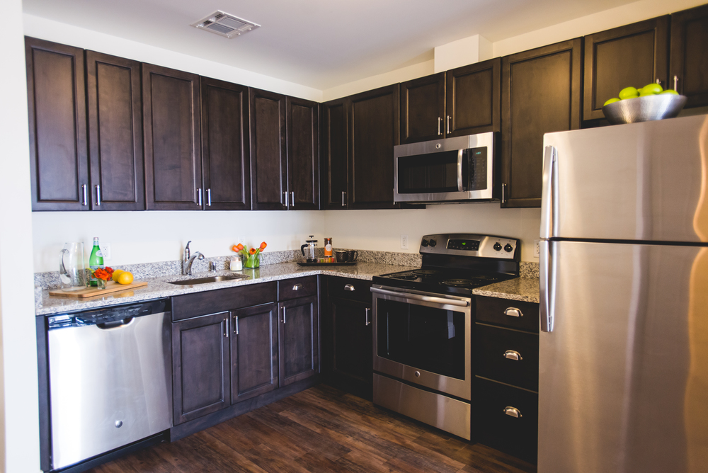 Stainless Steel, Energy Star Appliances & Granite Countertops