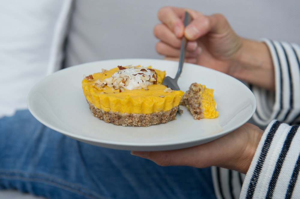 Spiced Raw Pumpkin Tart. Vegan, Raw, Dairy free, Gluten free.