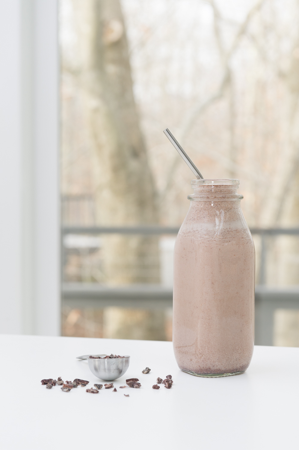 Cookies and Cream Smoothie. Vegan, Raw, Gluten free.