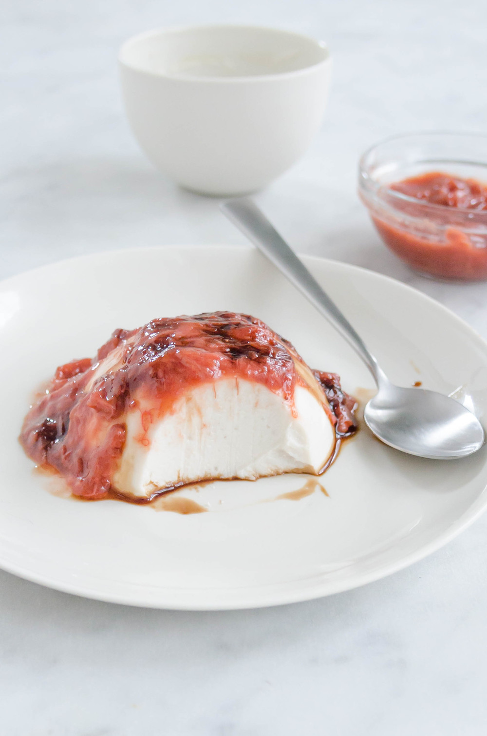 Vegan Vanilla Panna Cotta with Rhubarb and Strawberry Compote
