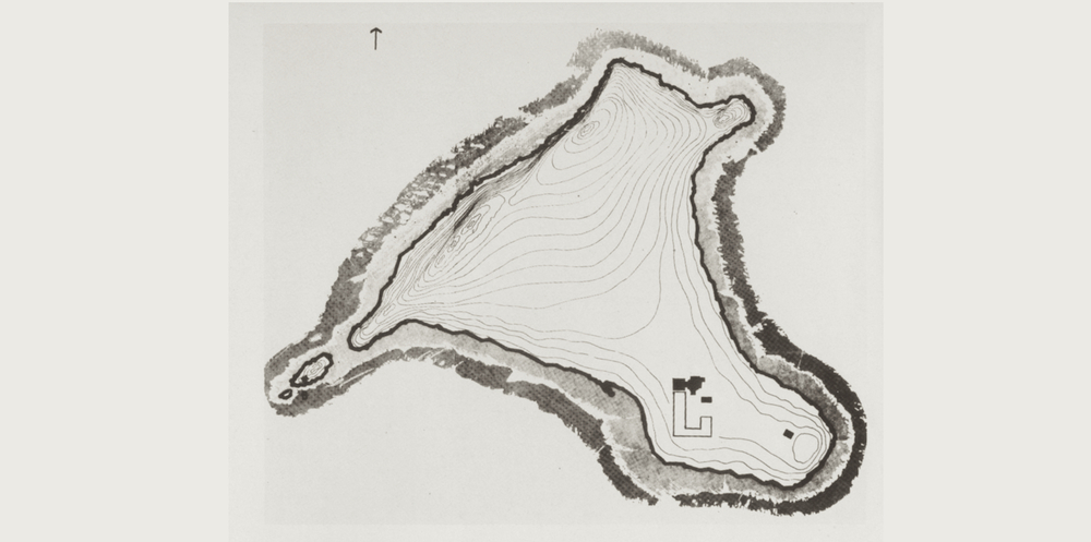 Drawing of the island showing the church complex in the SE corner. Image from Step'an Mnatsakanian, The Church of the Holy Cross (1965).