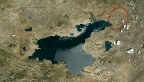 Satellite image of Lake Van. The lower course of the Bendimahi, shown in the circle, drains into the shallow Ercis Gulf. Image courtesy of Google Earth.