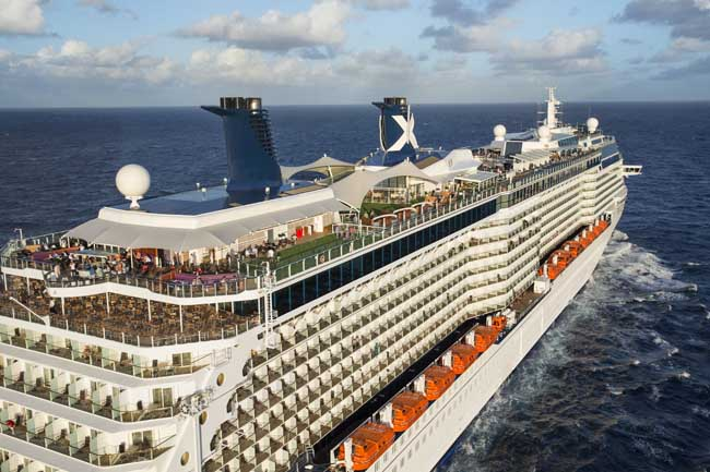 Guests-aboard-Broadway-Theatre-Cruises'-Sailing-with-the-Stars-cruise-can-meet-face-to-face-with-Broadway-stars.jpg