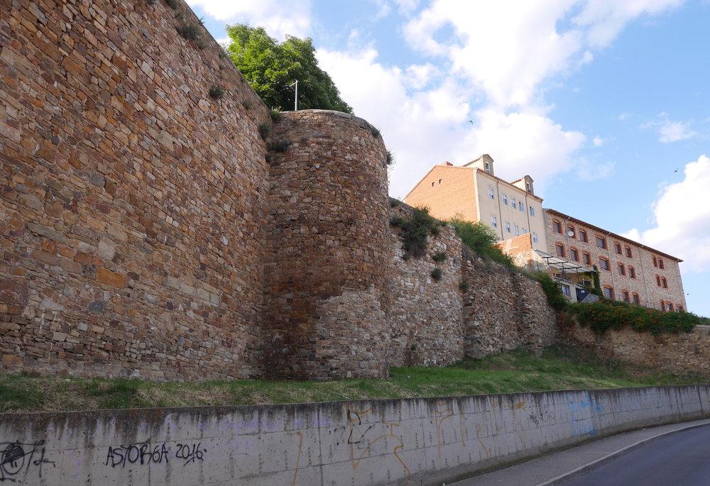Astorga walls.JPG
