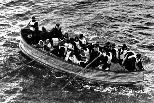 Titanic  lifeboat near the  Carpathia