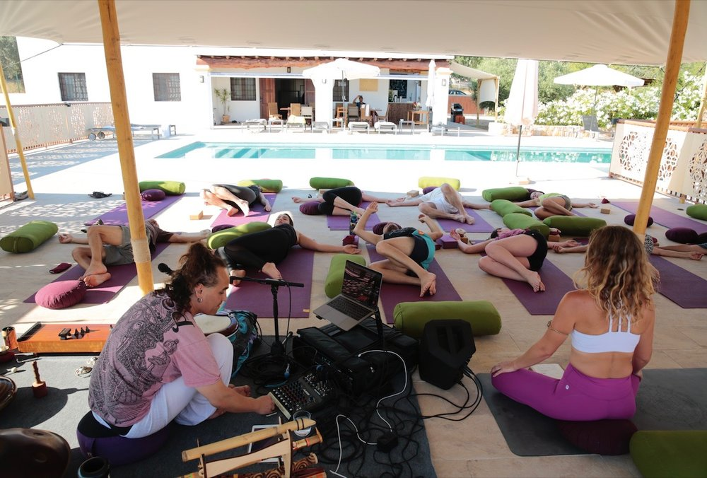 Spain retreat yin yang 2018 Annie au fun and yoga ibiza