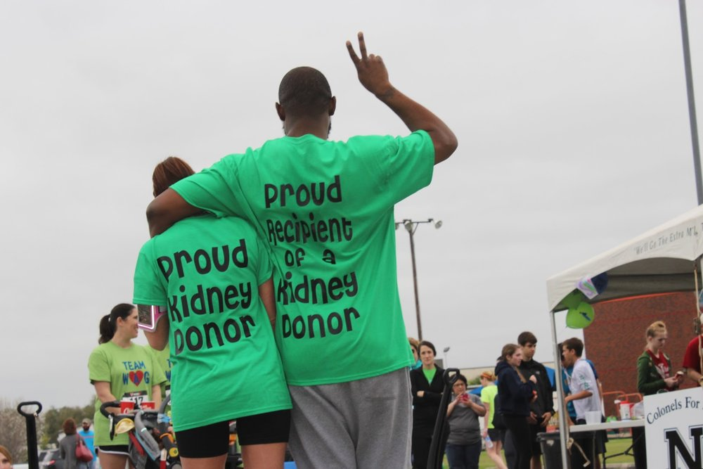 A living donor and her grateful recipient at the 2015 Marsh Mad Dash for life.