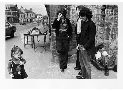 G.B. NORTHERN IRELAND. West Belfast. Street corner. 1978.