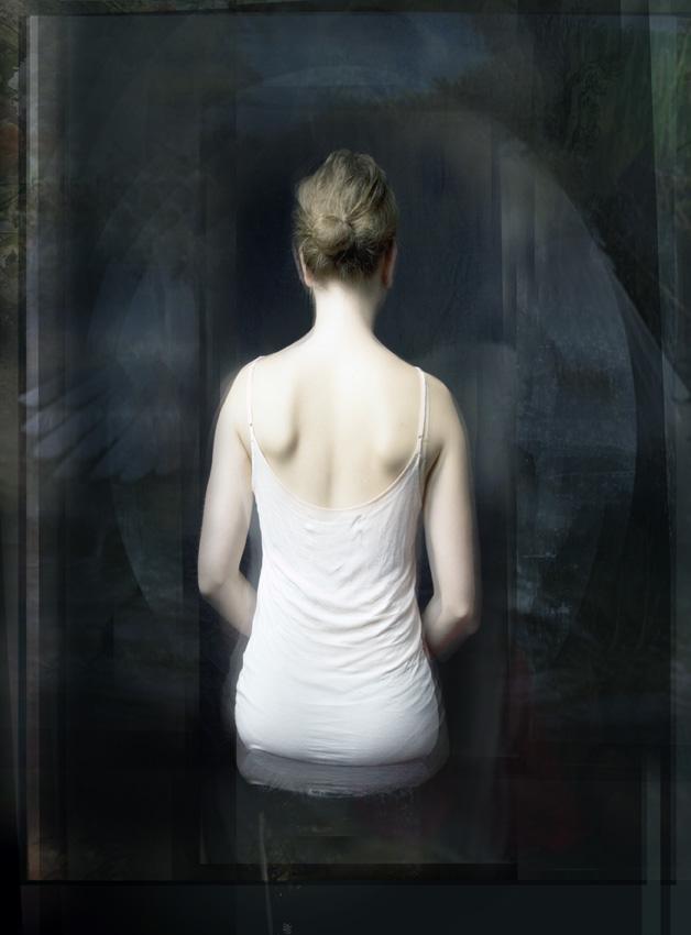 ©Lisa Holden. Mirror.