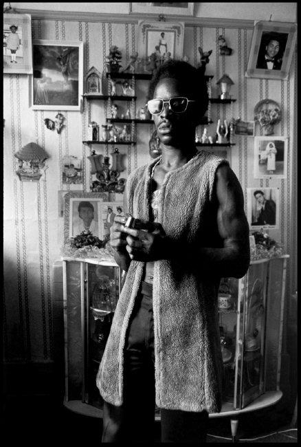 GB. ENGLAND. London. Portrait of a local musician in Brixton. 1974. © Chris Steele-Perkins/Magnum Photos