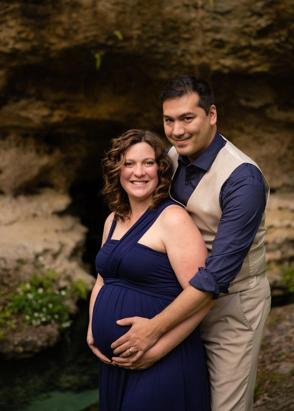 Amber + Andrew_Maternity32.jpg
