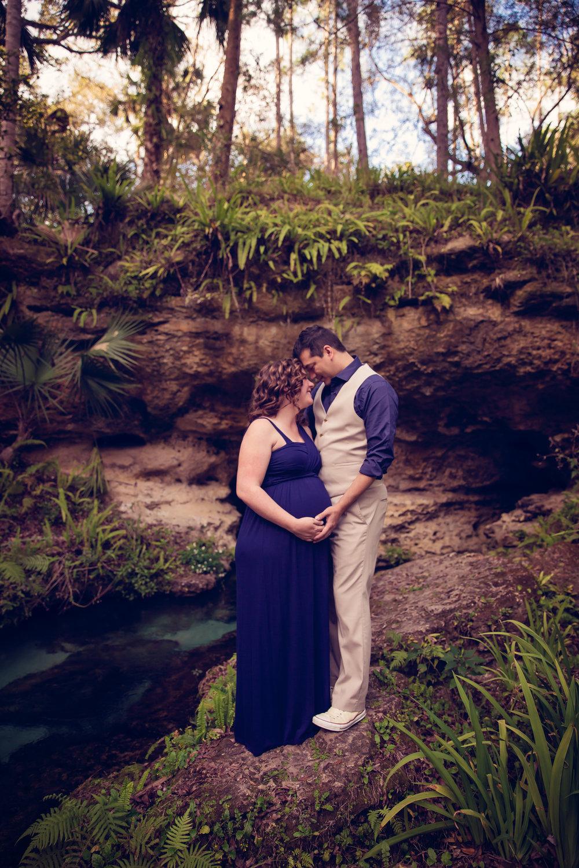 Amber + Andrew_Maternity35.jpg