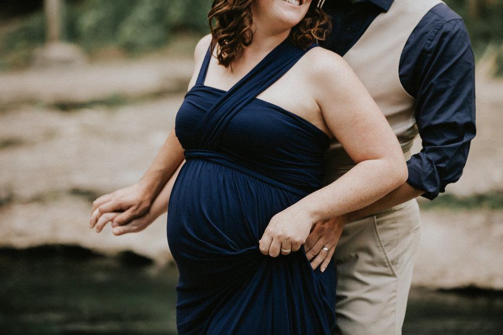 Amber + Andrew_Maternity45.jpg
