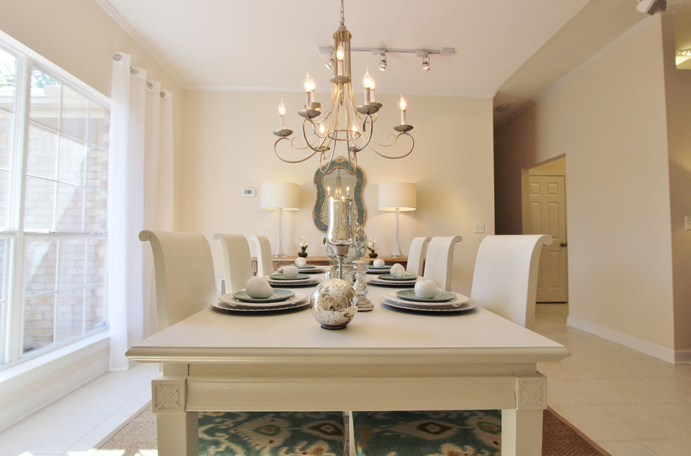 Image of Dining Room with Professionally Staged Furniture
