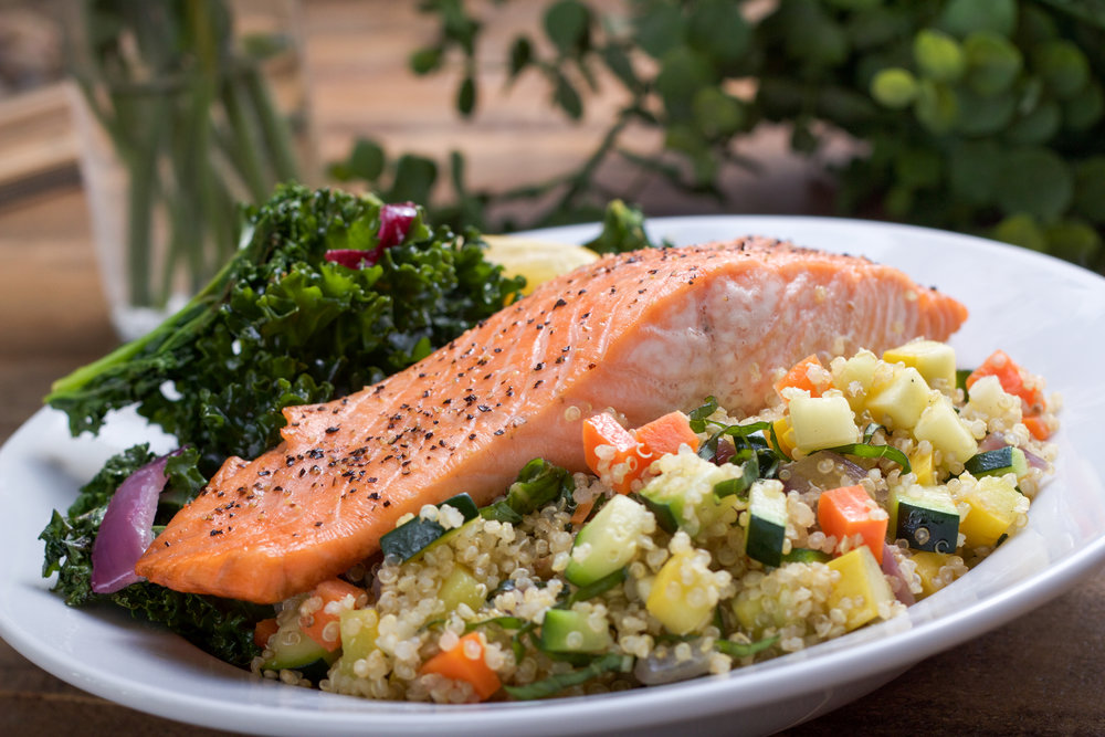 roasted salmon with quinoa 2-8389.jpg