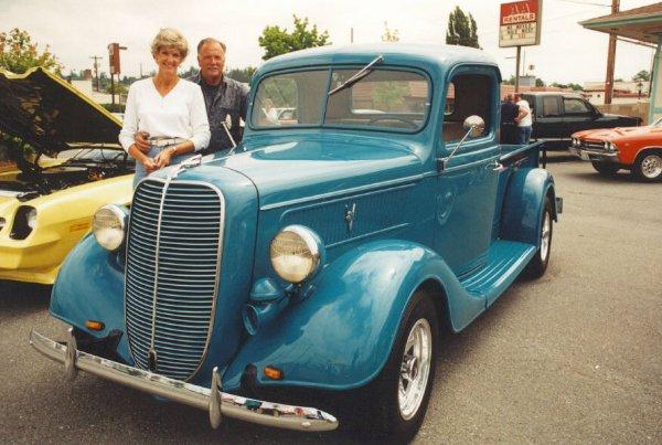 Chuck & Gail Jaeger 1937 Ford PU
