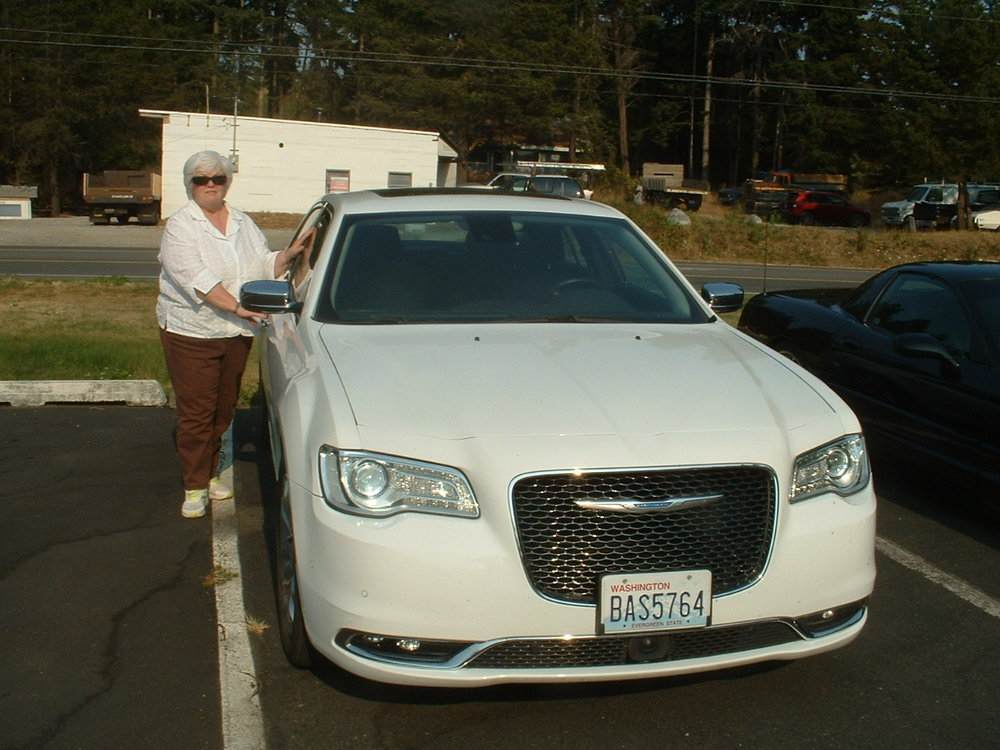 Virginia Teker 2015 Chrysler 300C