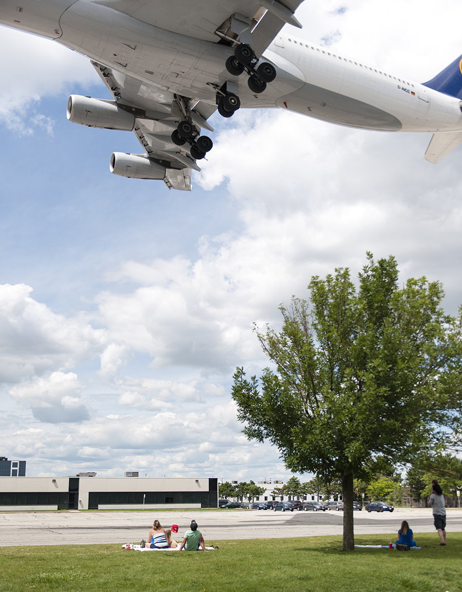 The Laird Co Crowd Planespotter Portrait Lufthansa A340 Airbus Aviation Avgeek Airplane Airline photography for site.jpg