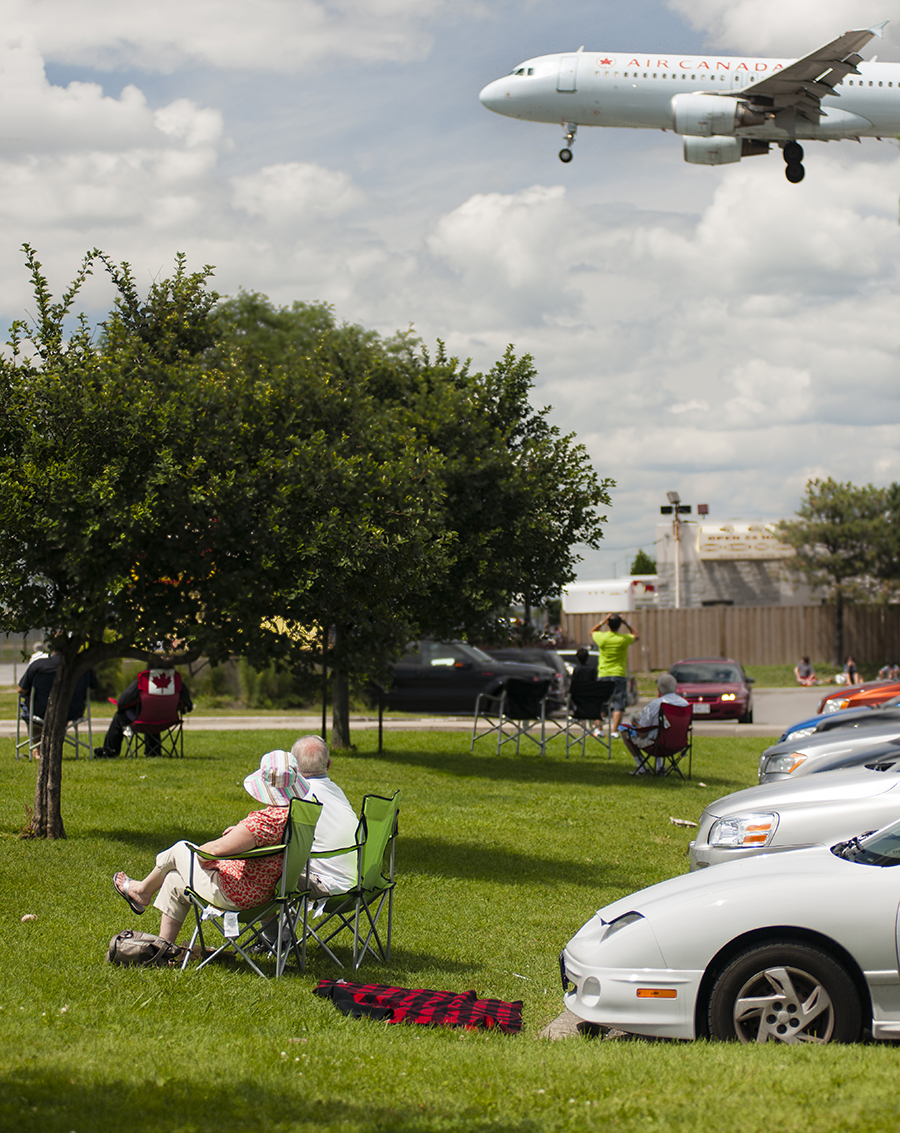 The Laird Co Crowd Planespotters Air Canada Airbus Aviation Avgeek Portratit Airline Airplane Photography for site.jpg