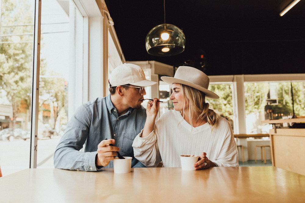 couples-portraits-icecream-inspo