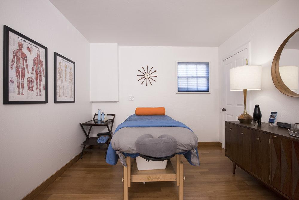 Room03a.jpg