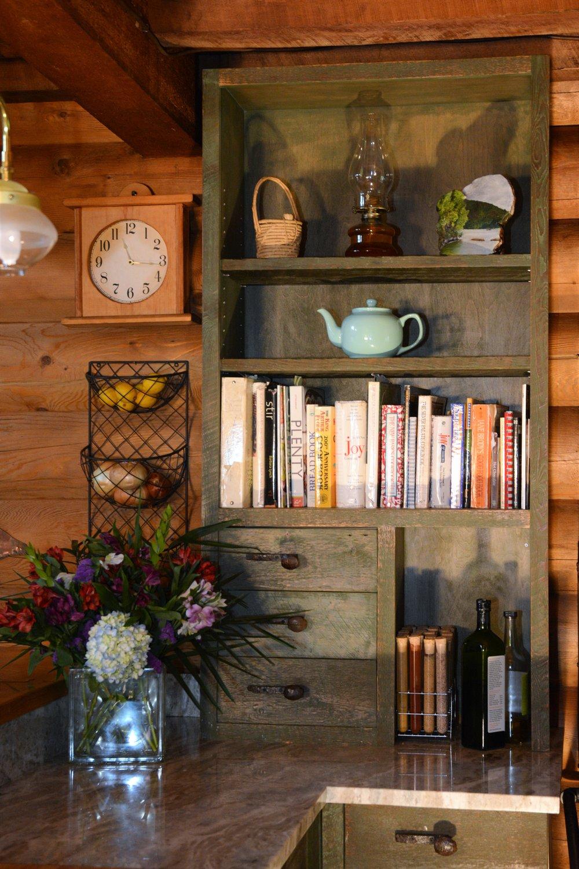 Bookcase_0199.JPG