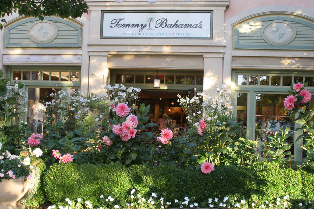 Stanford Shopping Center Tommy Bahamas