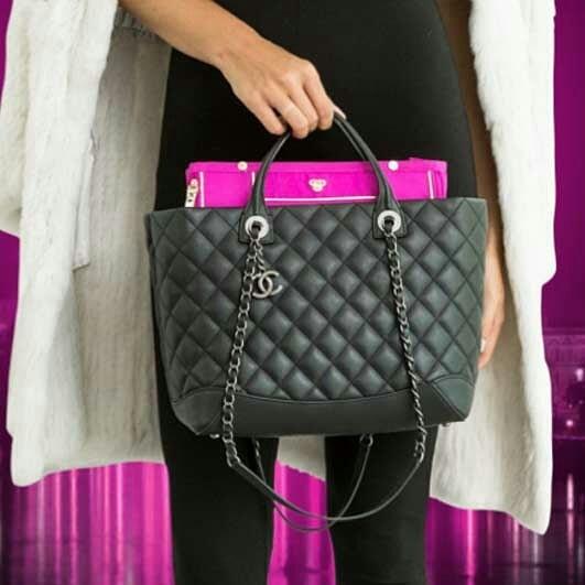We love PurseN purse organizers! It keeps your organized all the time👜👜👜👜 . . . . . #pursen #purse #purseorganizer #organizers #organizeit #chanelpurse #pink #purselover #purseaddict #purselady #stayorganized #wanderlust #girlswhotravel #fashion #instaglam #glam #fashionista #fashiongram #pinklover #travelinggram #anightout #anightonthetown #styleinspiration #showoffpursen