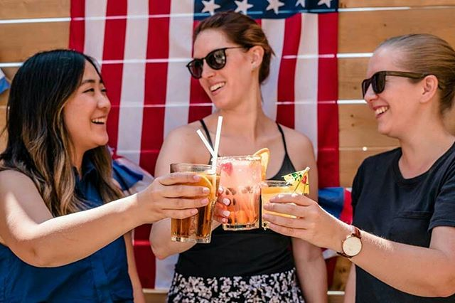 Cheers to the 4TH OF JULY - May your fourth be filled with friends, family and lots of good food! 🎆🎆🎆 . . . . . #happyfourth #fireworksshow #fireworksfun #cheers #clinkclink #americanflag #letfreedomring #redwhiteandblue #happybirthdayamerica #friends #goodfriends #goodfun #thefourthofjuly #happyfourthofjuly #drinkup #sippysippy #drinktofreedom #drinktothat #happysummer #summertimefun  #monthofjuly #freedomfireworks #friendsandfamily #bbqtime