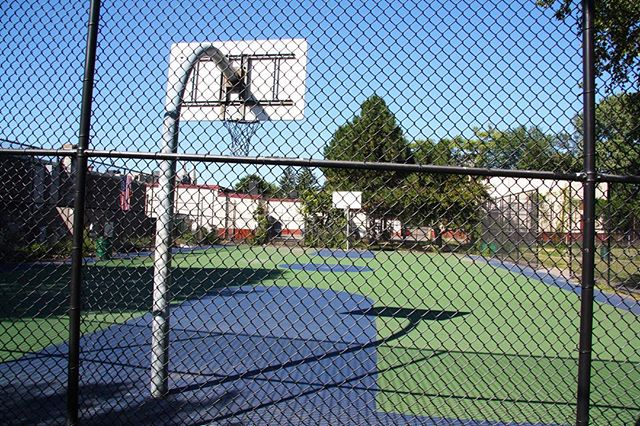 #Dorchester's #ToohingPlayground is missing lines, but it's a smooth, colorful spot. The park surrounding it is often full of local neighborhood folks walking their dogs, and parking is limited. But if you find yourself on the #Neponset Circle side of Morrissey Boulevard and are looking to play, duck off to the Minot Street neighborhood and get out there. #94FOC