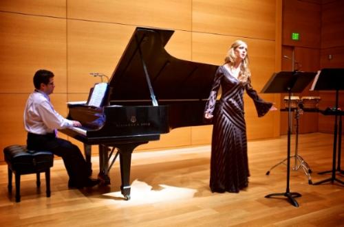 Performing alongside internationally renowned pianist Eduardo Rojas