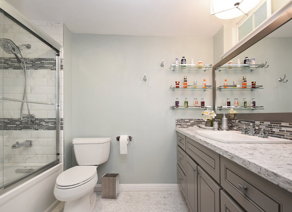 West Hills Bathroom 03.jpg