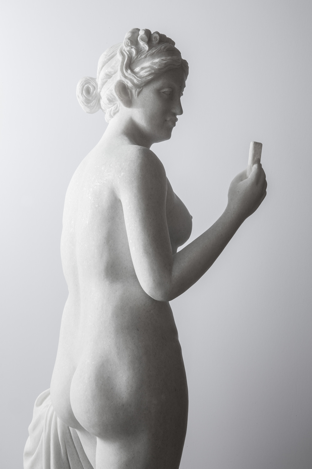 Immortalization of Self (Venus Holding an iPhone)