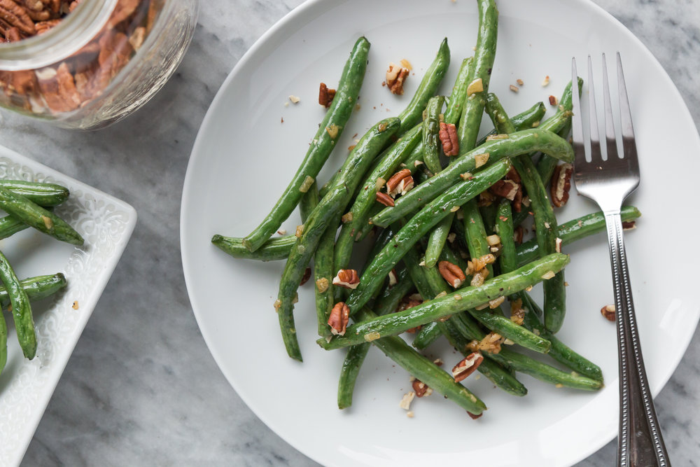 Garlic Green Beans with Toasted Pecans