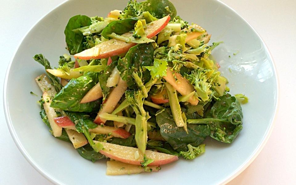 crunchy-salad-with-dijon-vinaigrette-me2tkjefwihwrlxjbcsd1qrewwqpq96fdm4f0qzgc0.jpg