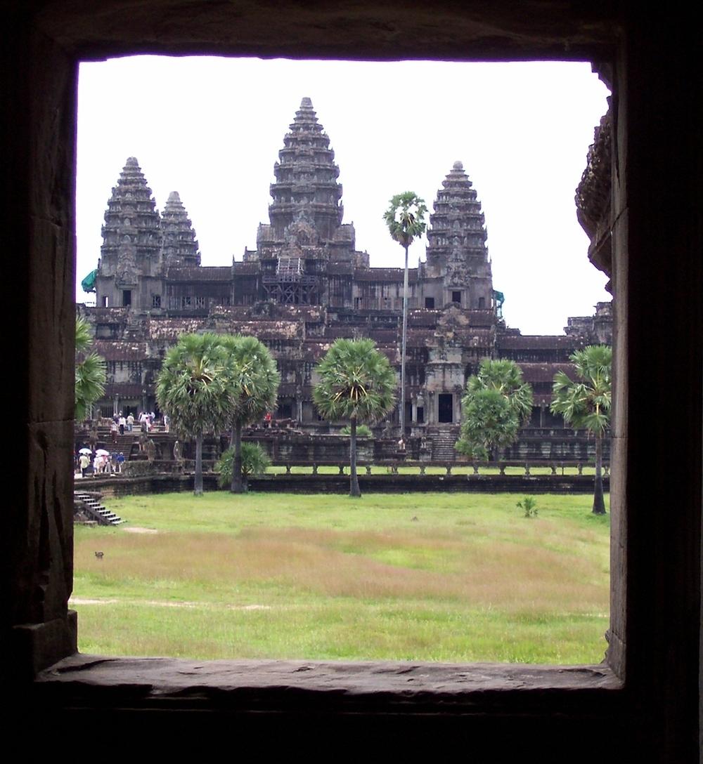 cambodia-angkor-angkor-wat-window.jpg