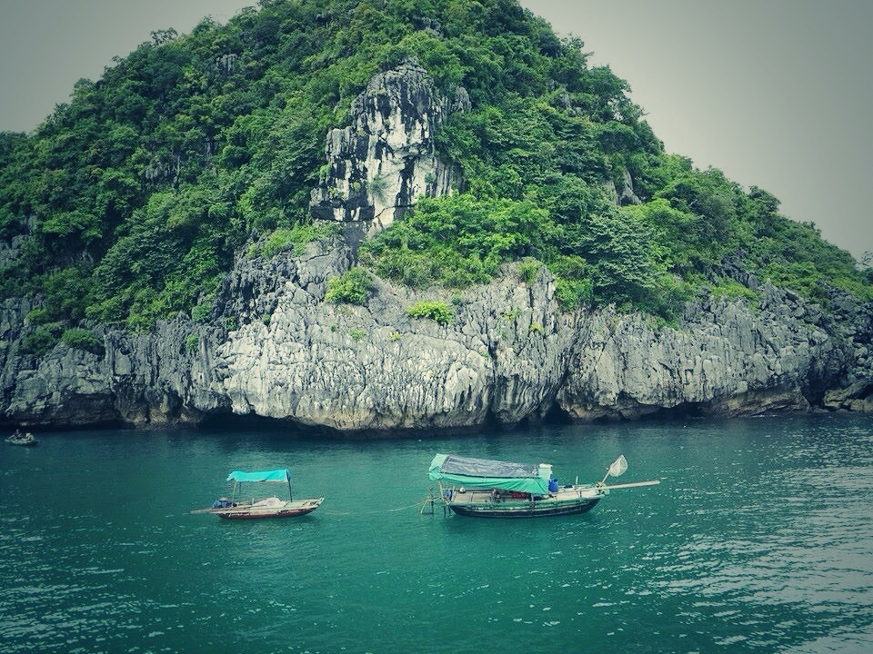 Ha Long Bay (1).jpg