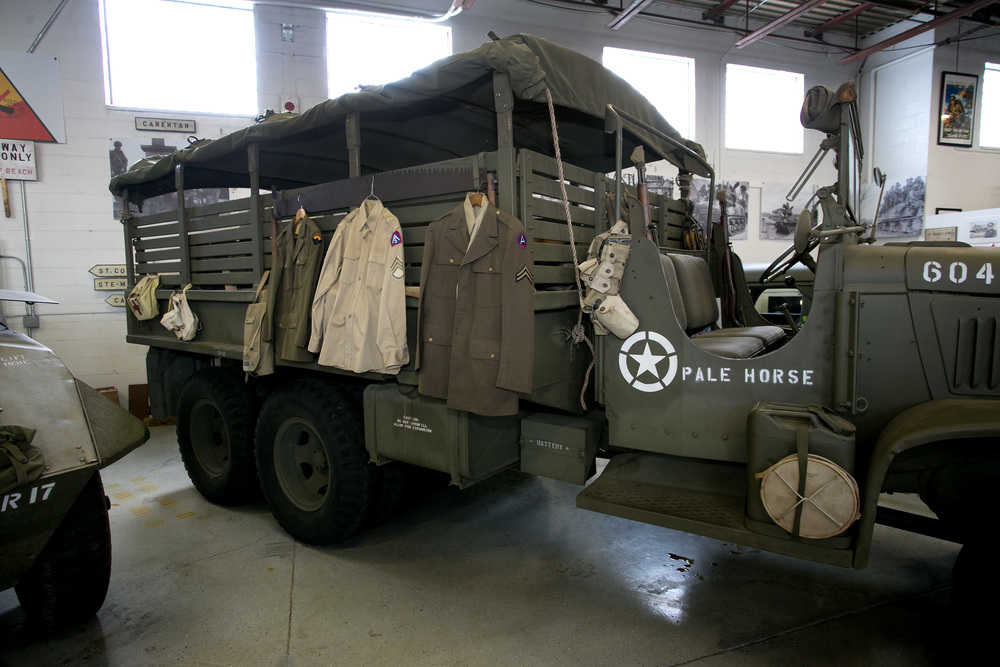 Arsenal 6x6 truck w uniform display.jpg