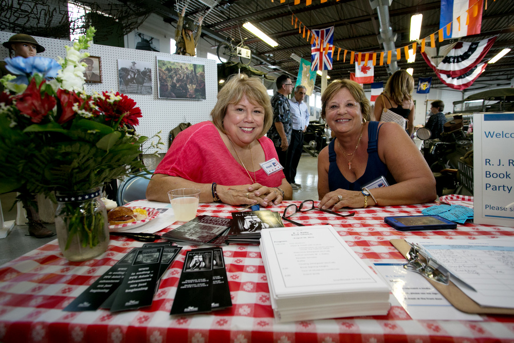 Marlene Heitmanis w Donna Fuga at Sign in Table.jpg