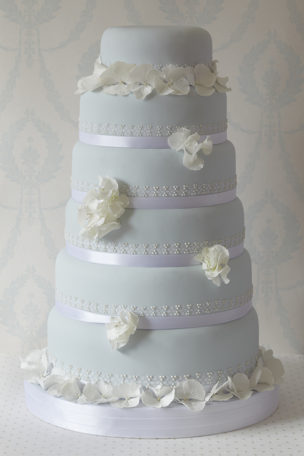 Rhapsody in Blue wedding cake