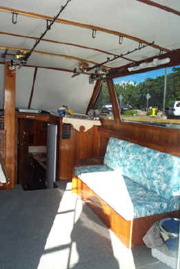 Hawaii fishing boat Wild Bunch interior