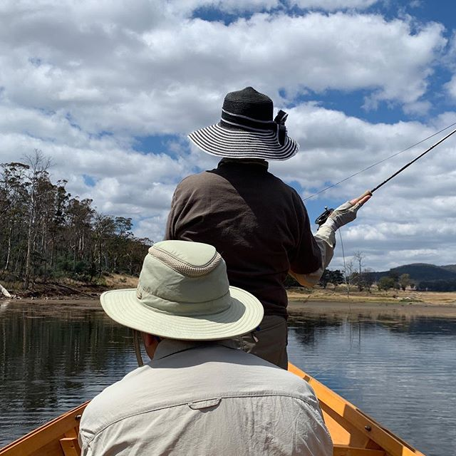 Drifting dries in the drifty. ☀️🤙#CamdenFishing #TheSeasonNeverEnds #DriftBoat #Flyfishing #FlyFishingTasmania #Tasmania #TassieTrout #TassieStyle #DiscoverTasmania #FlyOrDie #DriftBoats #KeepEmWet #FlyGuide #GuideLife #GetAFlyGuide #ManicMates #WFFC2019 @manic_tackle_project @scottflyrods @hatchoutdoors @simmsfishing @scientificanglers