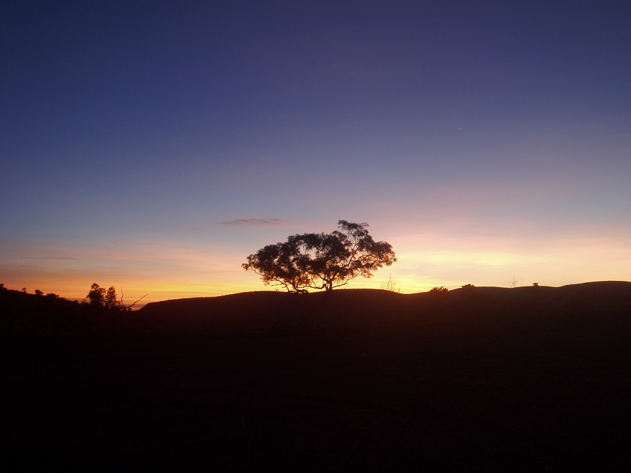 #Sunrise Hamersley Gorge 29-3-06.JPG