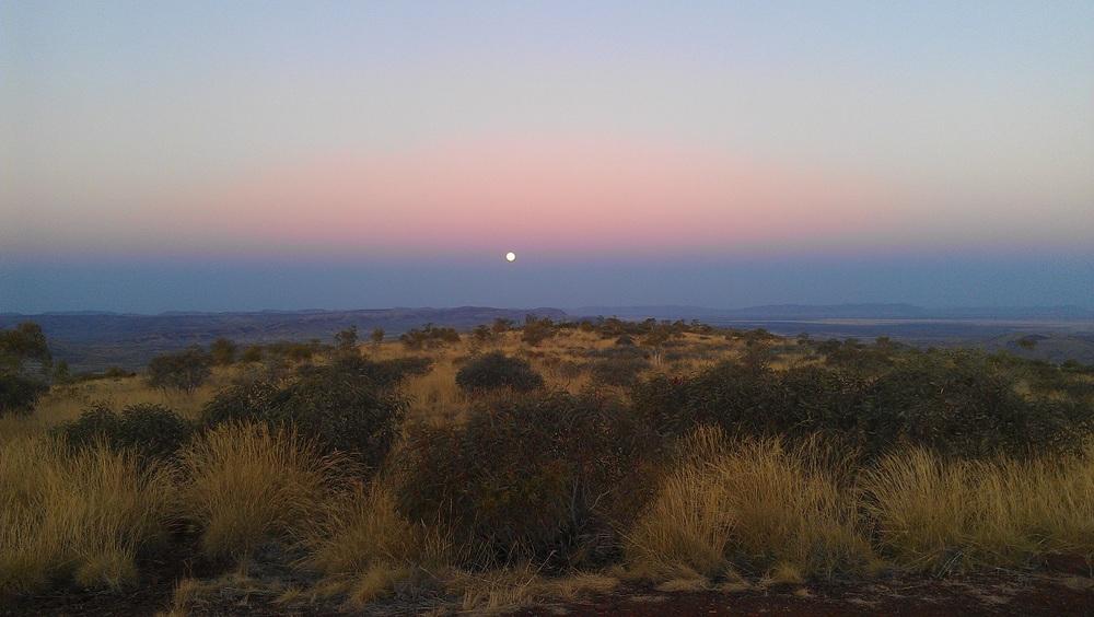 Mt Sheila moonrise.jpg